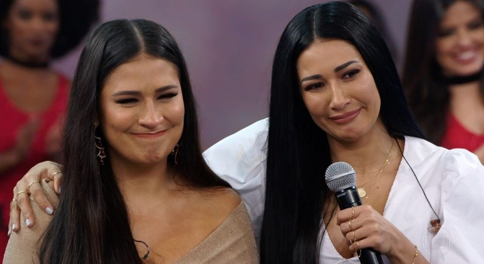 Simone e Simaria num programa de TV.