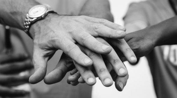 Mãos Dadas Frases De Otimismo Para Os Amigos Amigos
