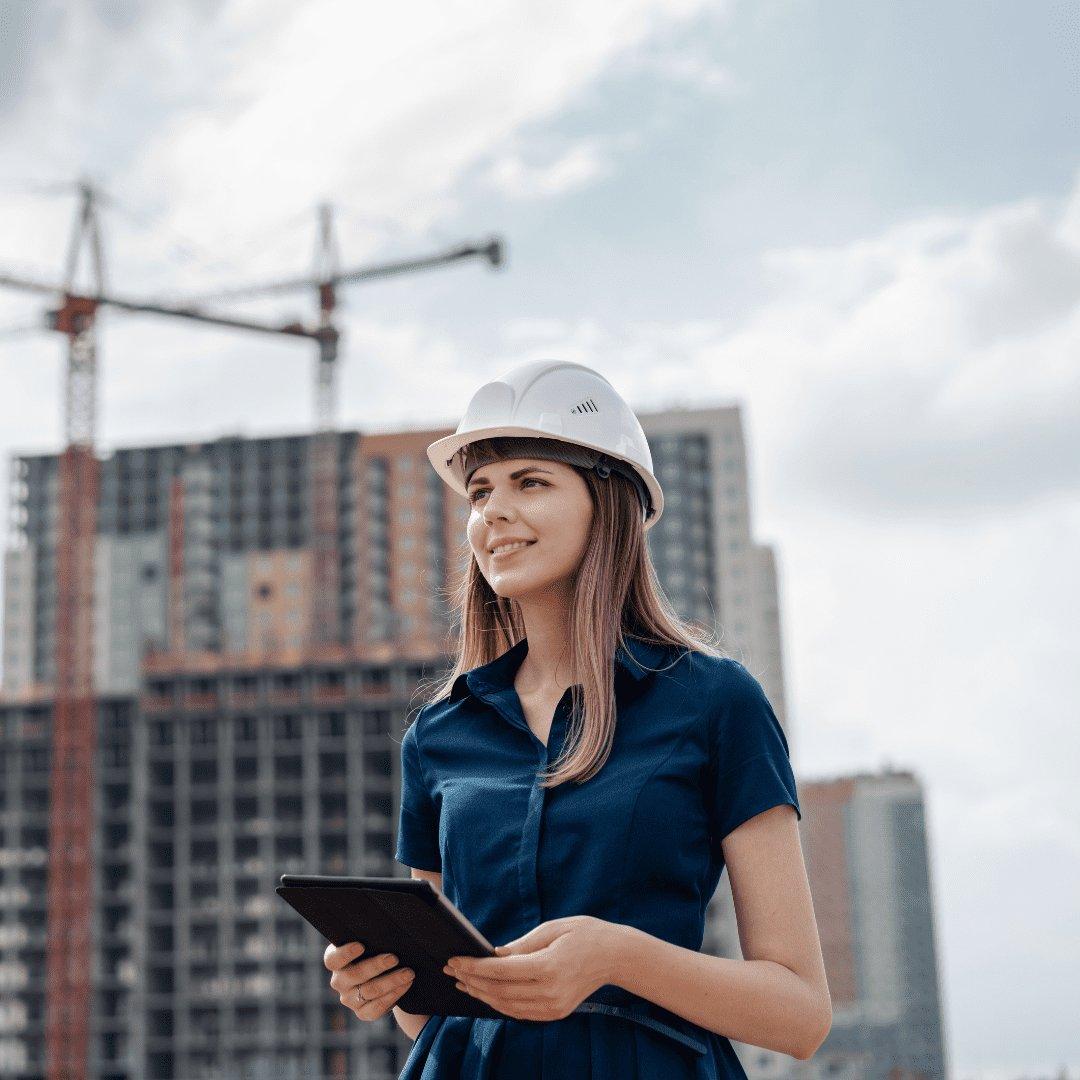 Mulher engenheira na construção