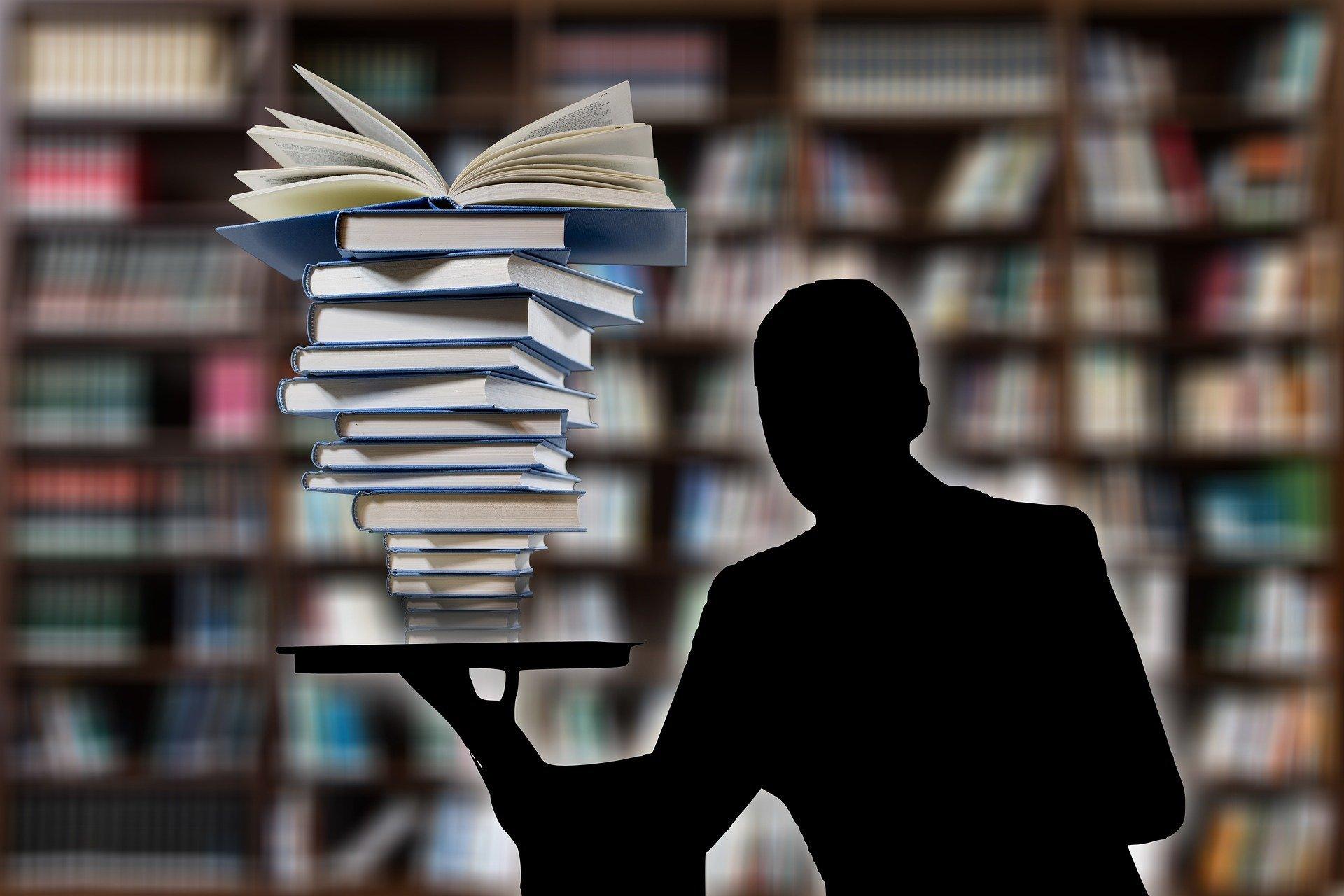 Ilustração gráfica de silhueta de homem segurando pilha de livros