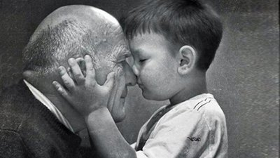 Aniversário Do Vovô O Patriarca Da Família