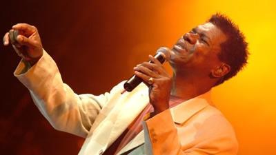 Biografia de Emílio Santiago. Um grande cantor da MPB.
