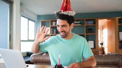 Deseje Um Feliz Aniversário Para Alguém Distante