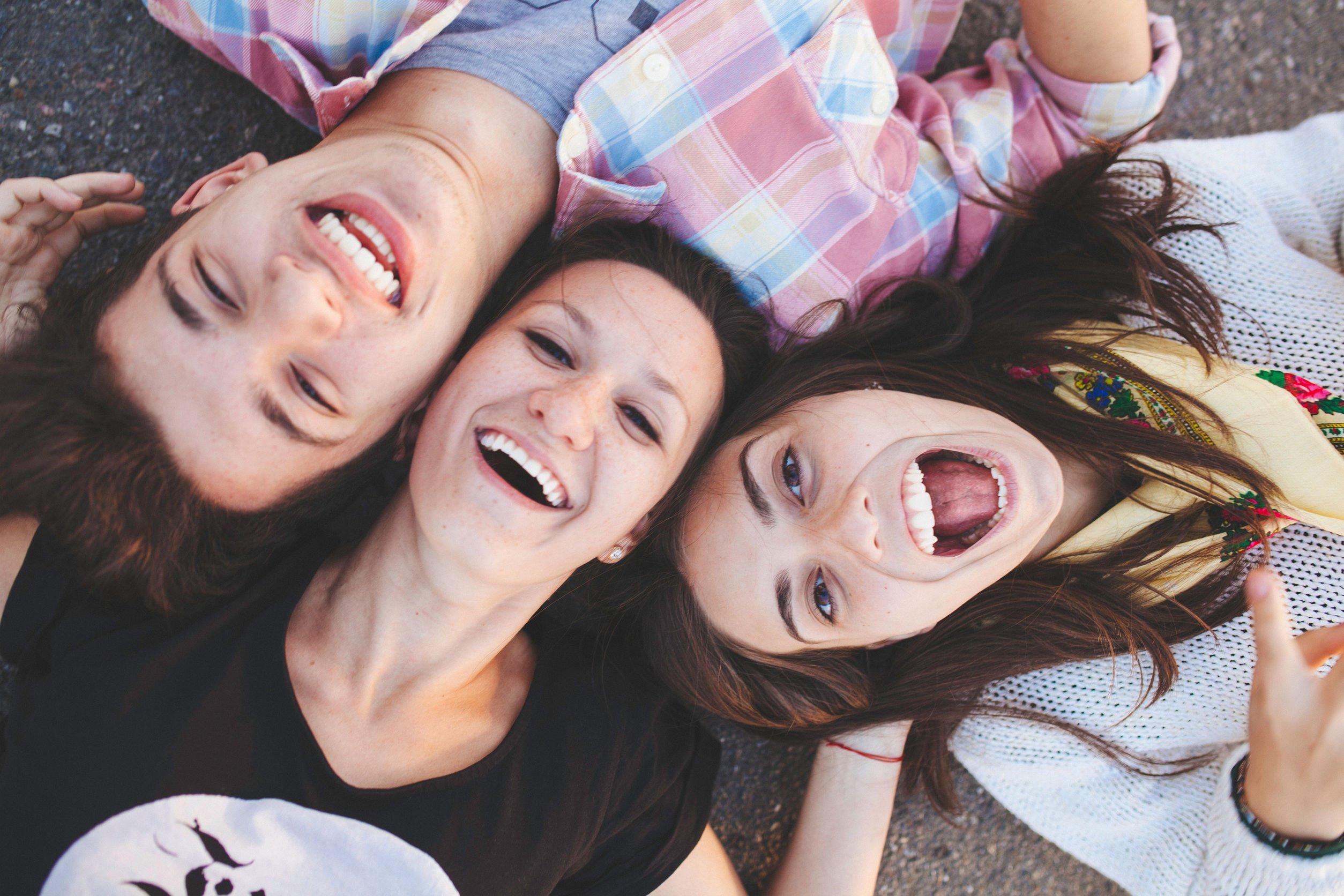 Frases Para Uma Amizade Nova é Tempo De Fazer Grandes Amigos