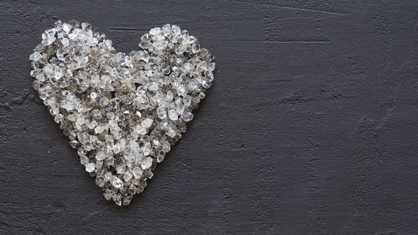 Coração de pedras brilhantes
