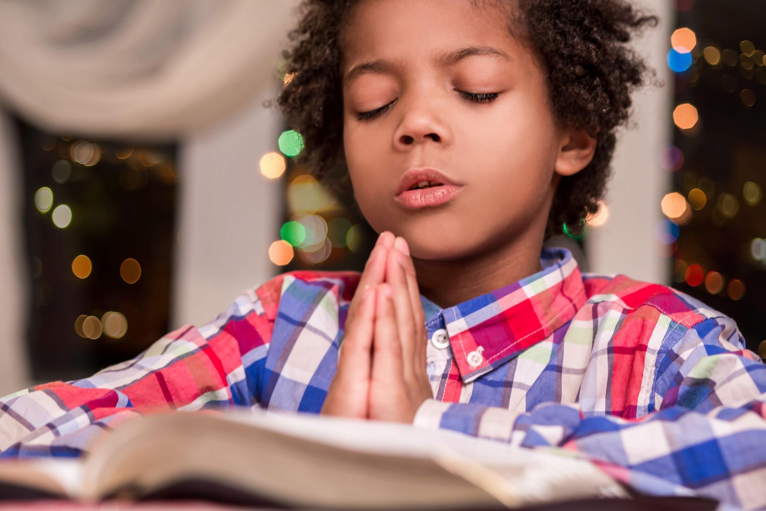 Querido Deus Em Tuas Mãos Coloco Minhas Preocupações: Mensagens Evangélicas Edificantes. Abençoando O Seu Dia