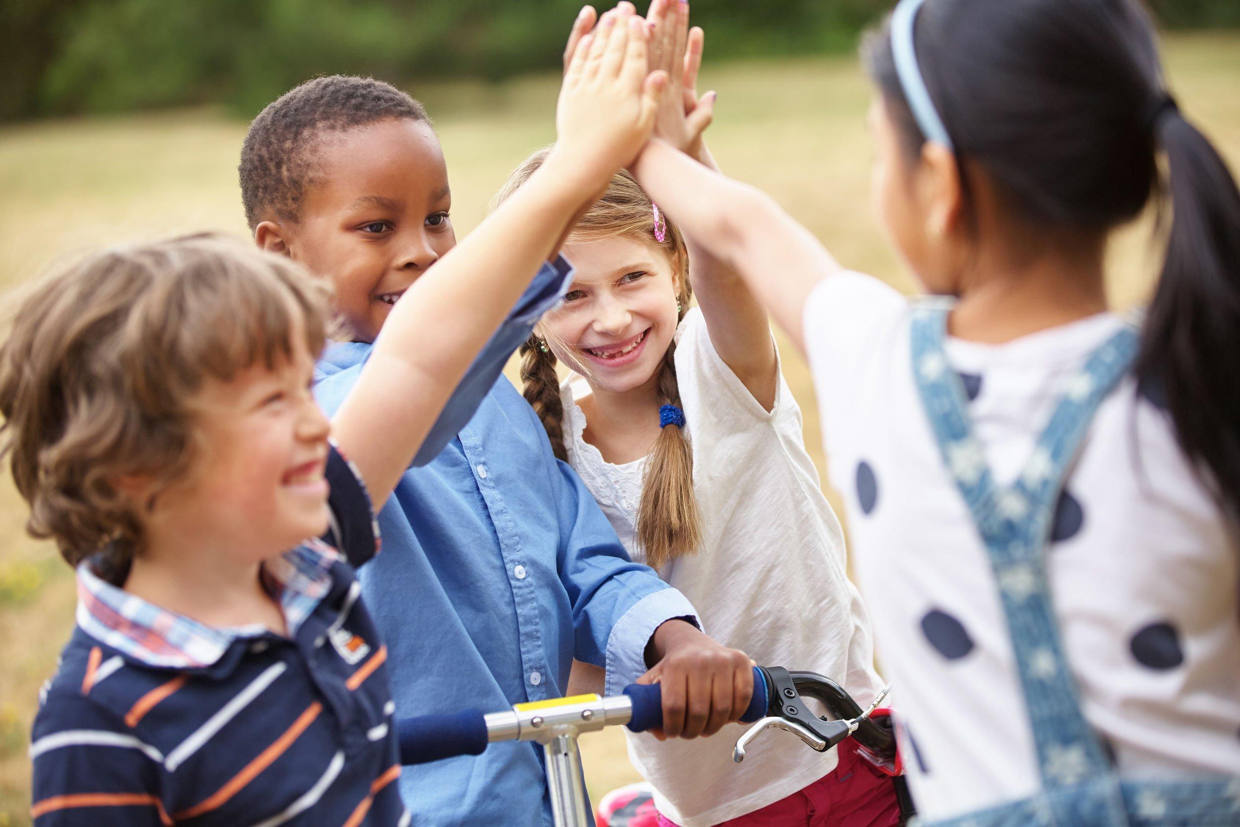 Frases De Dia Das Crianças Hoje é Dia De Sorrir Em Dobro