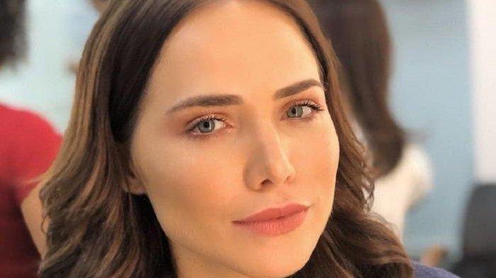 Foto da atriz Letícia Colin