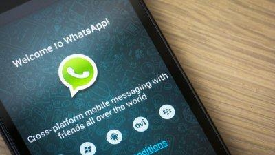 Tela inicial do WhatsApp no celular