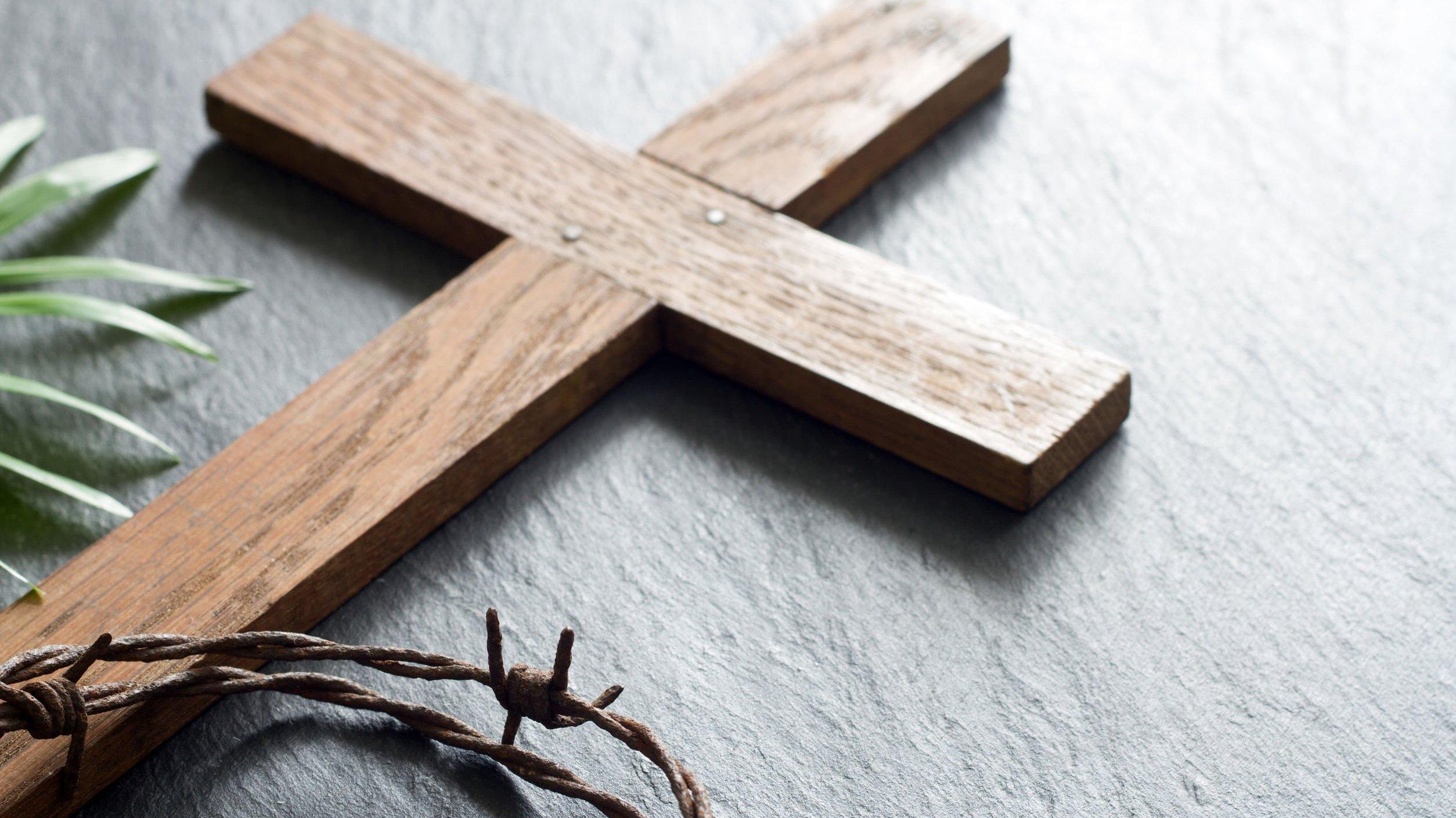 Cruz de madeira.