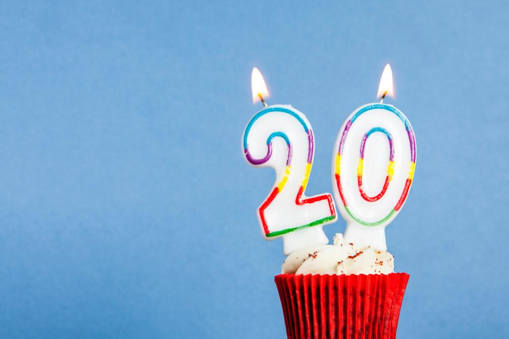 Mensagens Para Aniversário De 20 Anos Celebre O Início Do Novo Ciclo