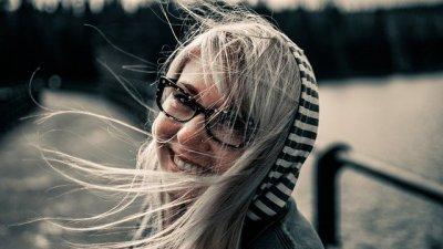 Mulher sorrindo