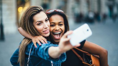 Frases Para Foto Com Amiga Para Bombar A Sua Rede Social