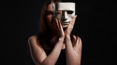 Frases Indiretas Para Pessoas Falsas A Acidez De Forma Leve