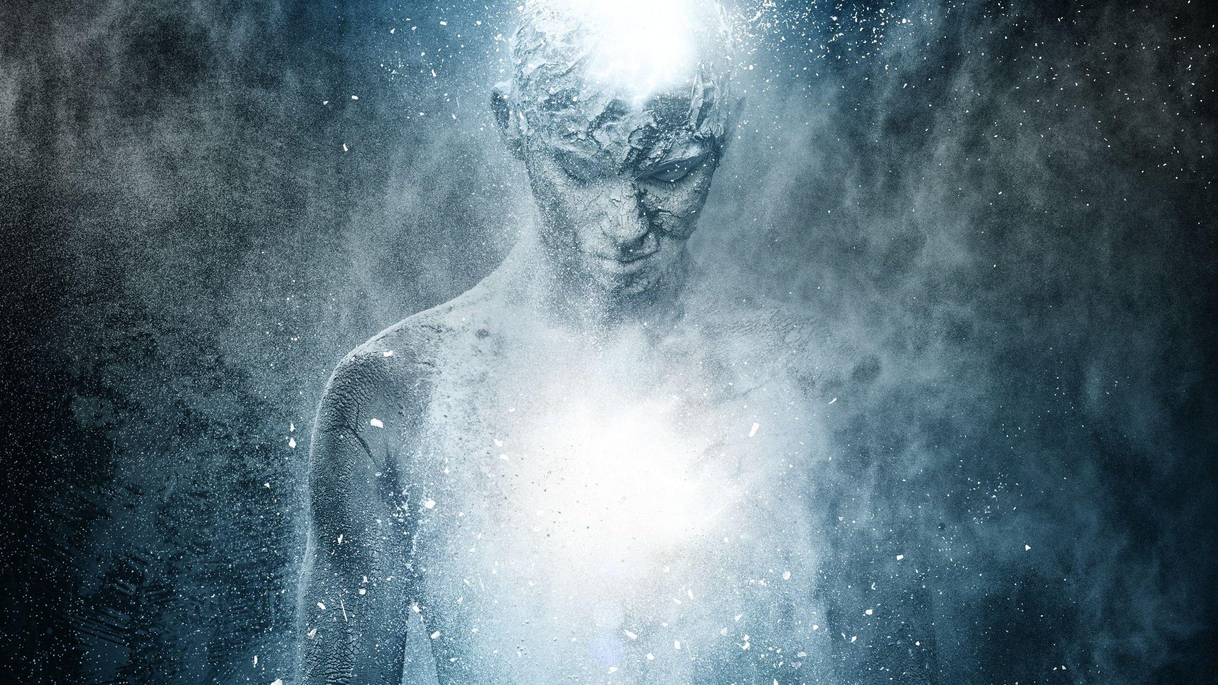 Desenho de um corpo humano com luzes saindo de sua cabeça e seu peito.