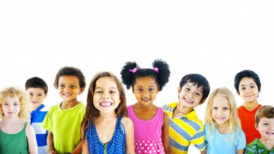 Foto de crianças sorrindo