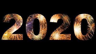 Ilustração com o número 2020 em um fundo preto. Dentro de os números, estão inseridas imagens de fogos de artifício.