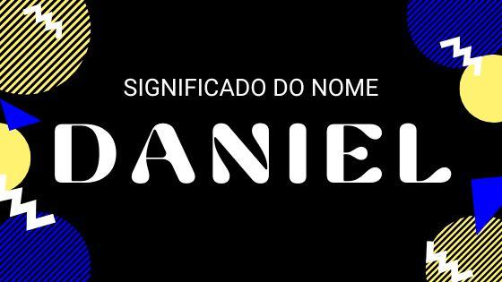 Adolescente de aparelho sorrindo com o nome Daniel escrito em cima