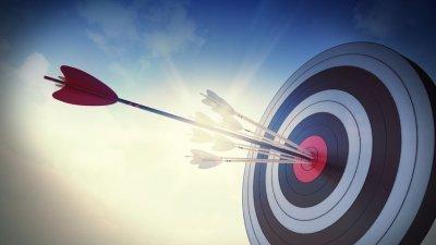 Flechas atiradas no centro do alvo
