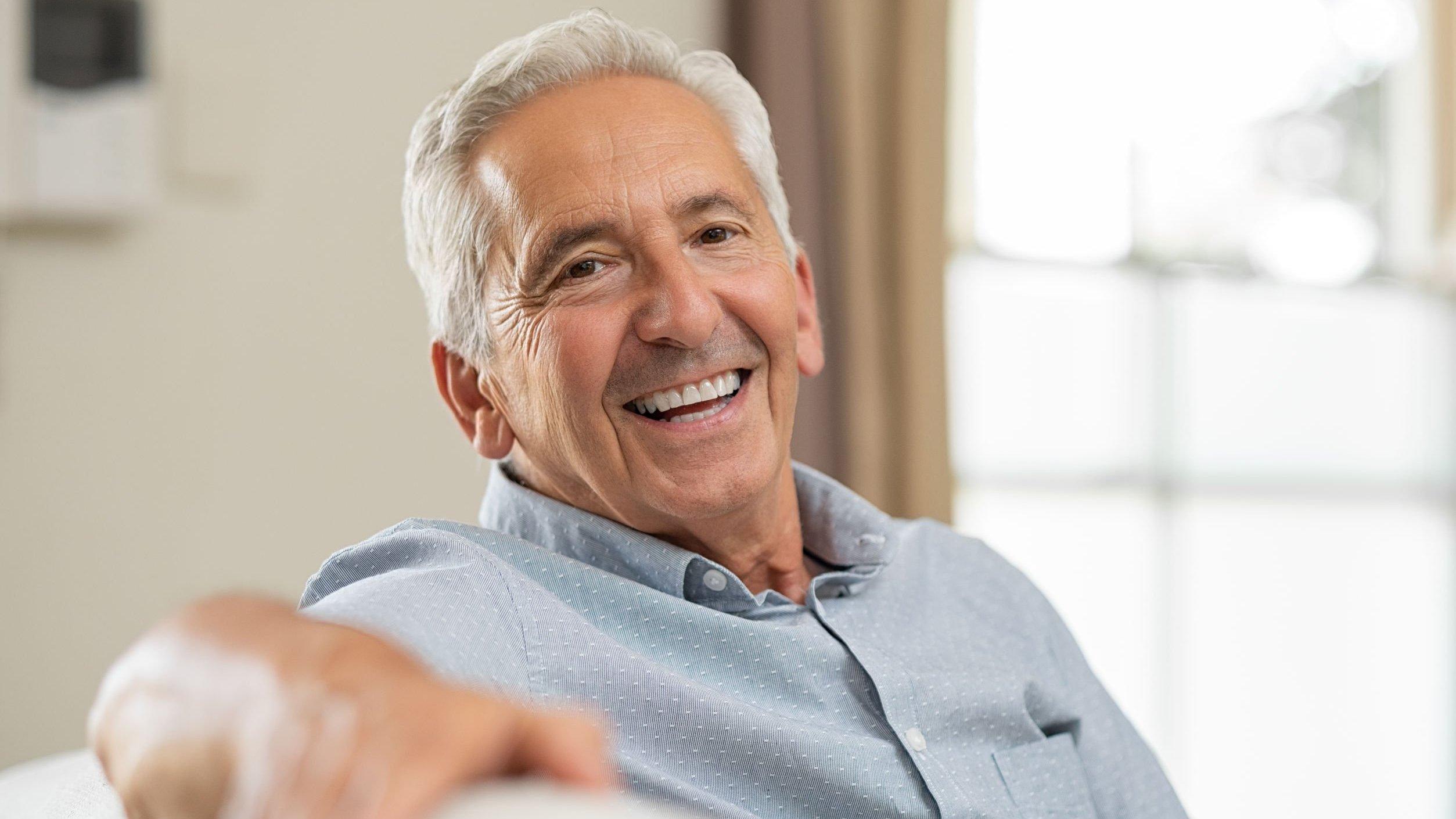 Homem branco idoso