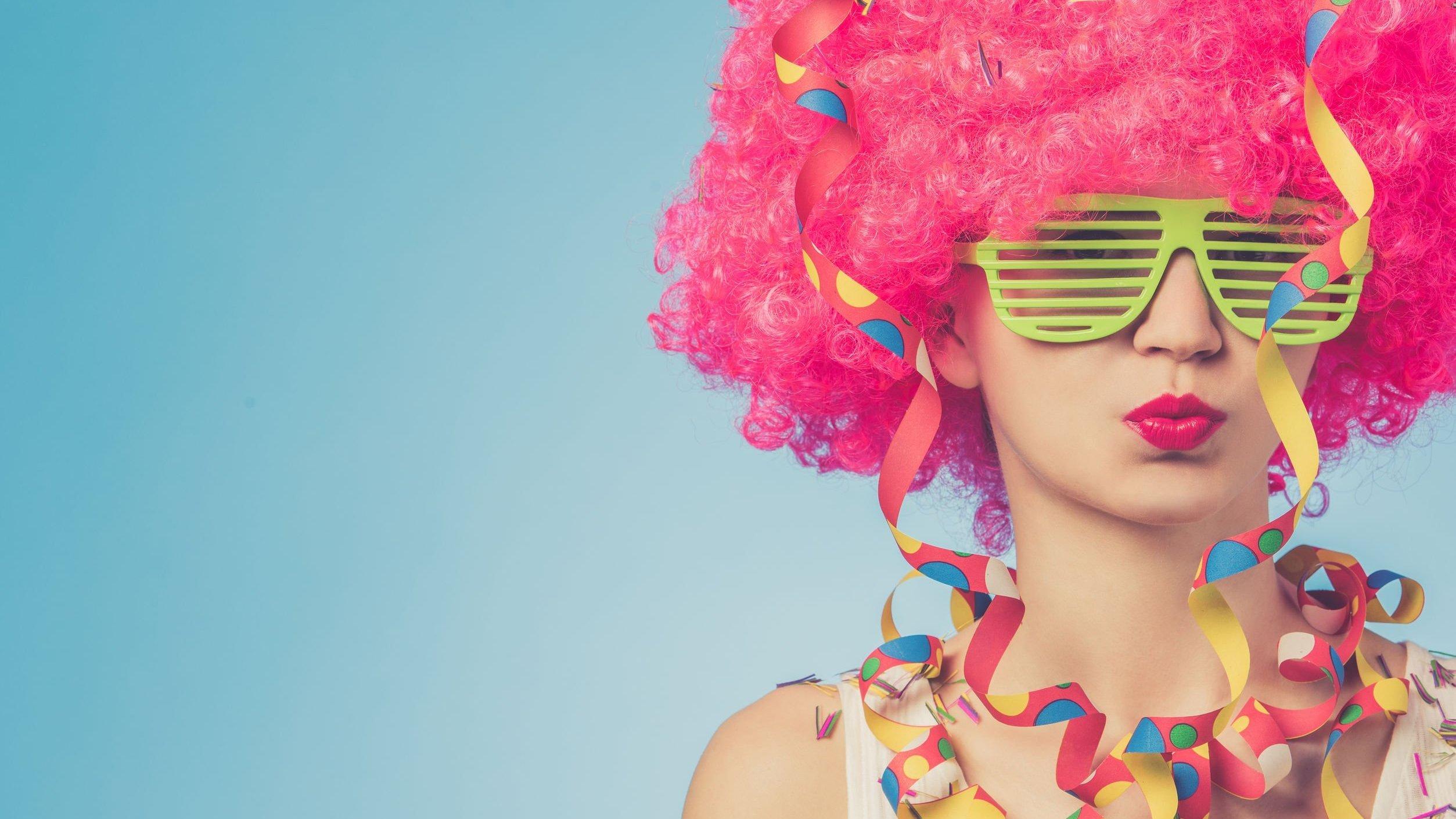 Mulher fantasiada para o carnaval