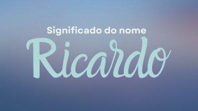 Montagem com foto de homem com cabelo comprido preso em coque e barba cumprida, sorrindo, com o nome Ricardo escrito em branco