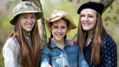 Foto de meninas primas sorrindo