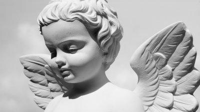 Estátua de anjo.