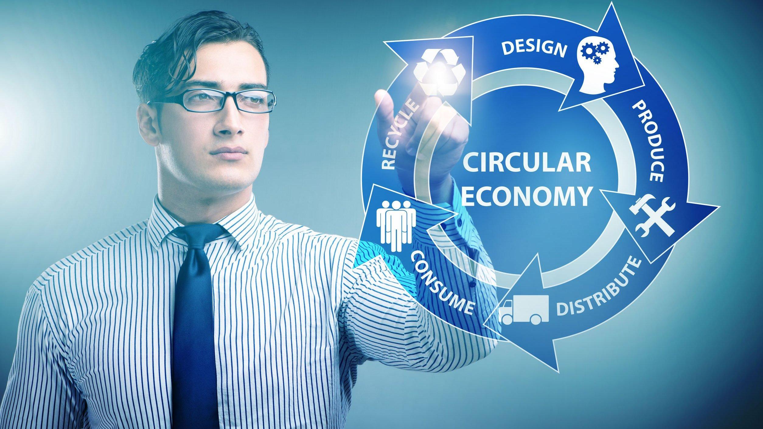 Conceito de economia circular com empresário